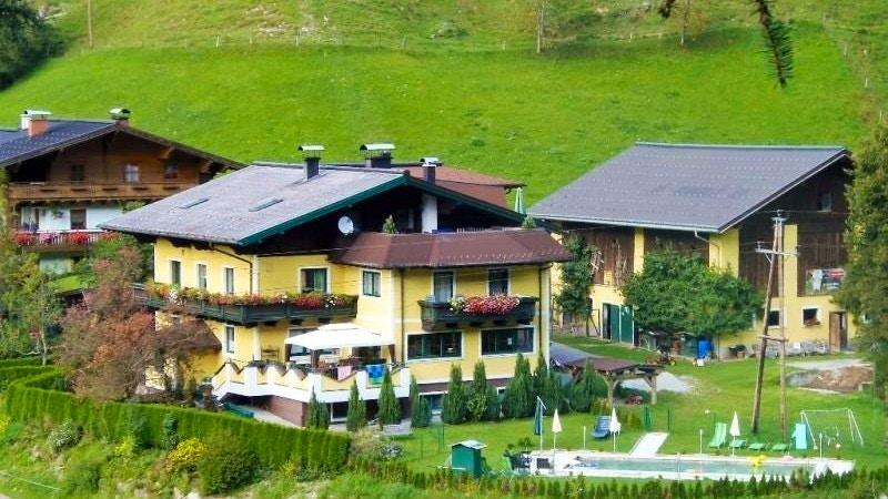 Family vacation at Schattaugut
