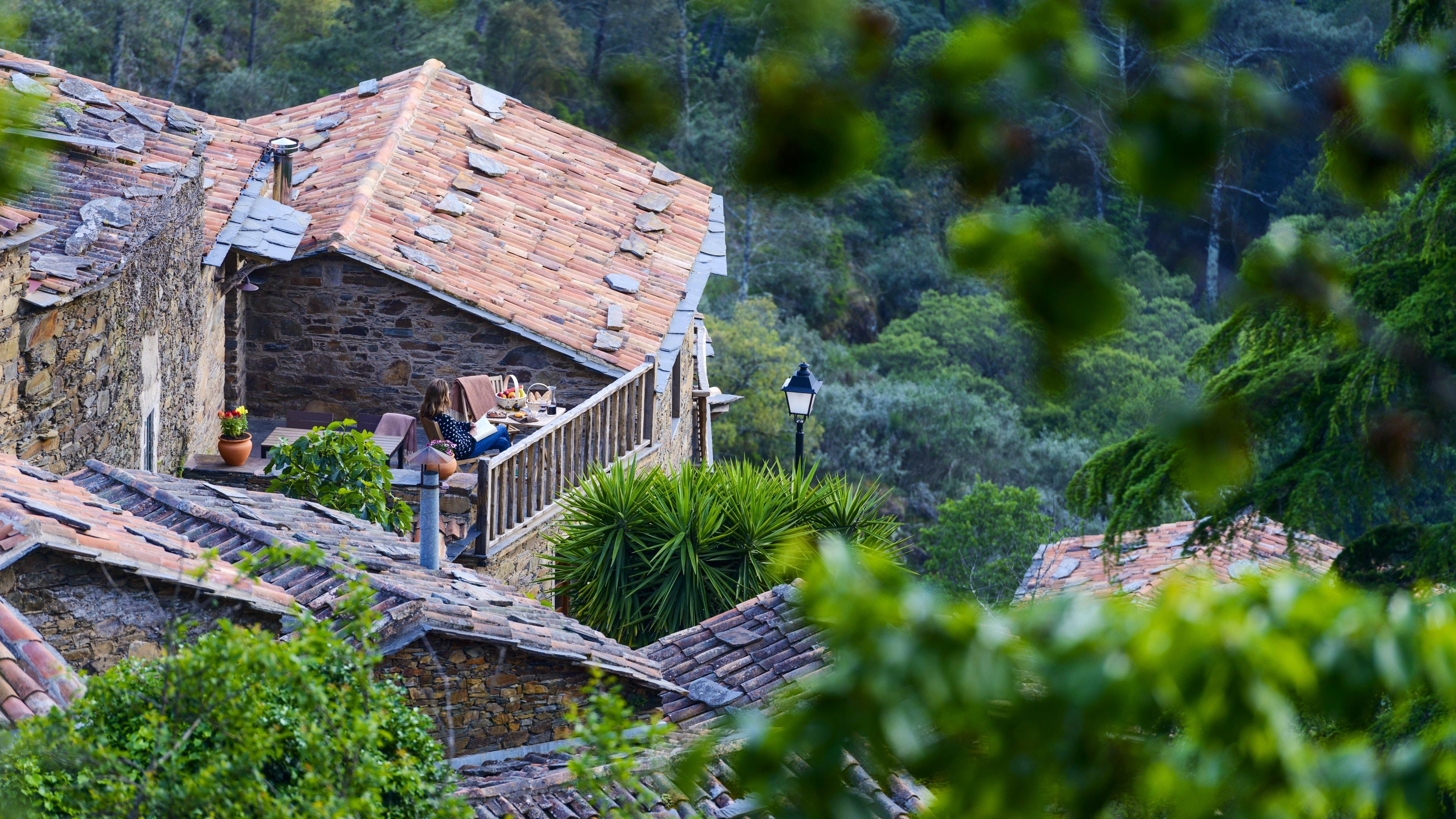 Charming Schist Village in Lousã Mountains